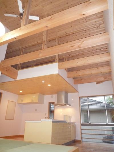 家族のための大空間と蔵のある家 (リビング・ダイニング・キッチン)