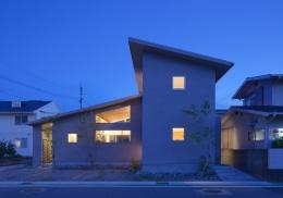 亀川の家 (外観 夜景)
