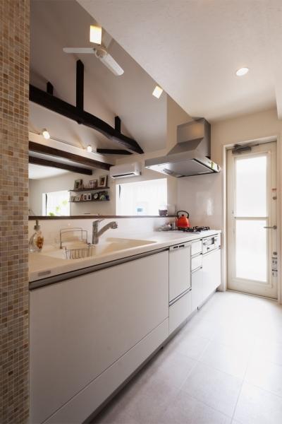 キッチン (SE邸・実家の2階が大変身 大好きなインテリアで楽しく住もう)