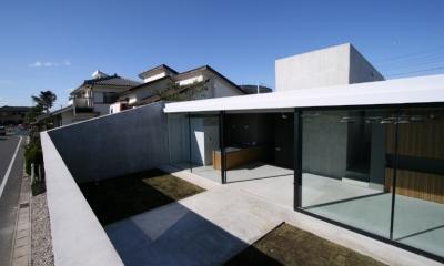 G-house (中庭)