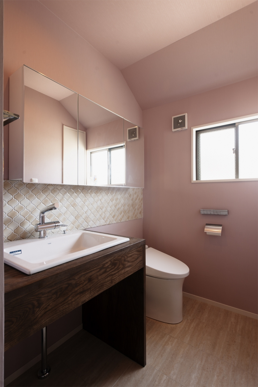 SE邸・実家の2階が大変身 大好きなインテリアで楽しく住もうの部屋 浴室/洗面脱衣所