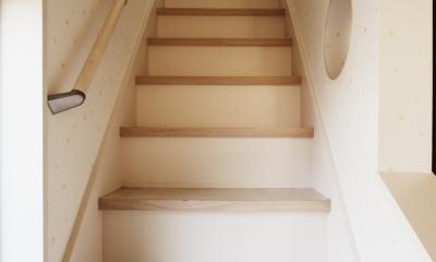 SE邸・実家の2階が大変身 大好きなインテリアで楽しく住もう (階段)