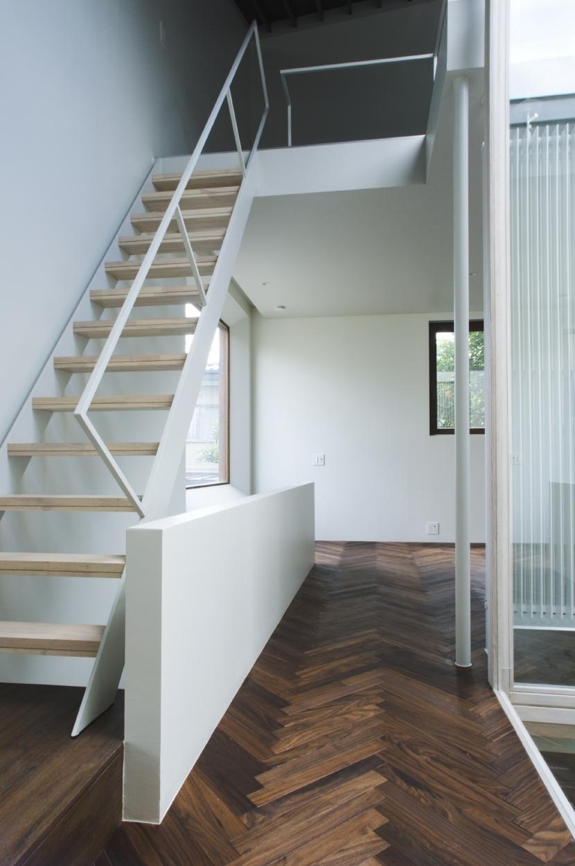 NA-houseの部屋 階段