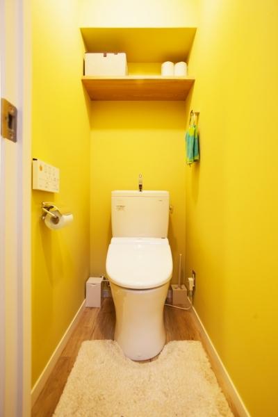 トイレ (I邸・昭和時代の喫茶店のようないえ)