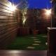 夜はライトアップして (ウッドフェンスでプライバシーを確保した屋上庭園)