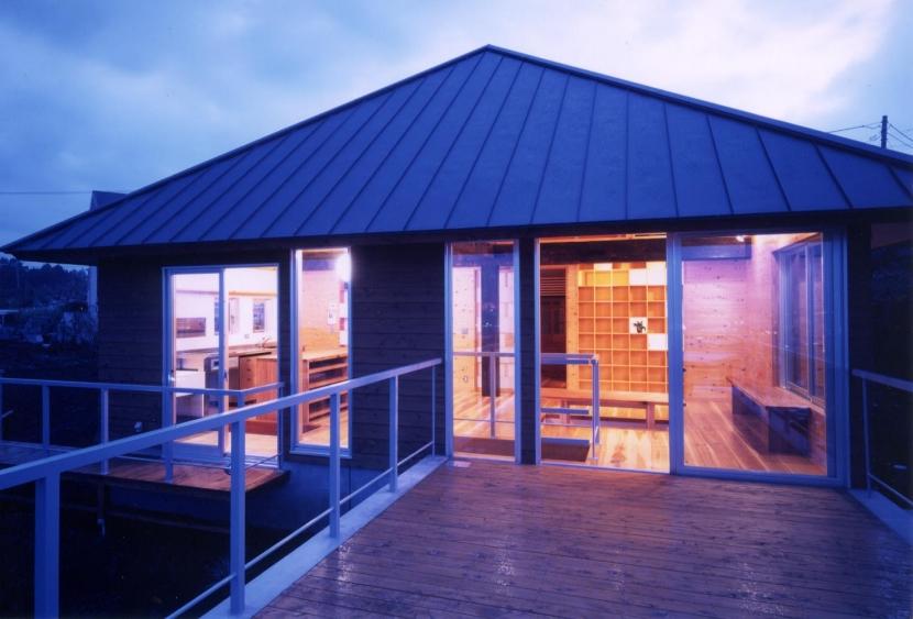 建築家:若林秀和+若林晶子「W_HOUSE」