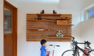 玄関土間は自転車ピット (玄関)