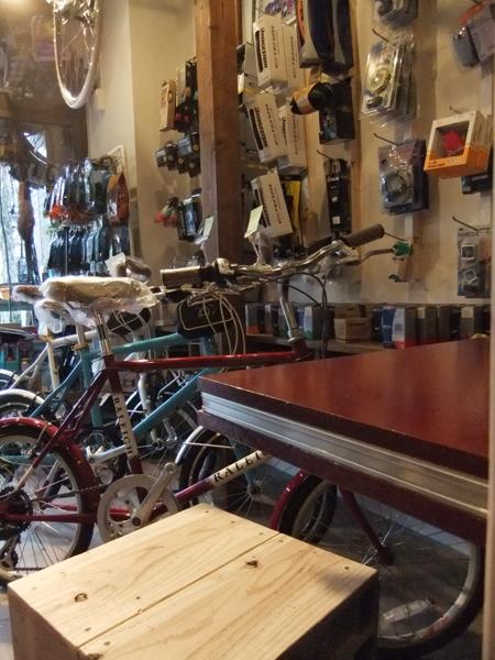 西早稲田自転車店リピト・イシュタール1号店の写真 自転車店舗 内装-1