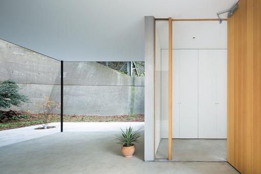 横須賀の家の部屋 玄関