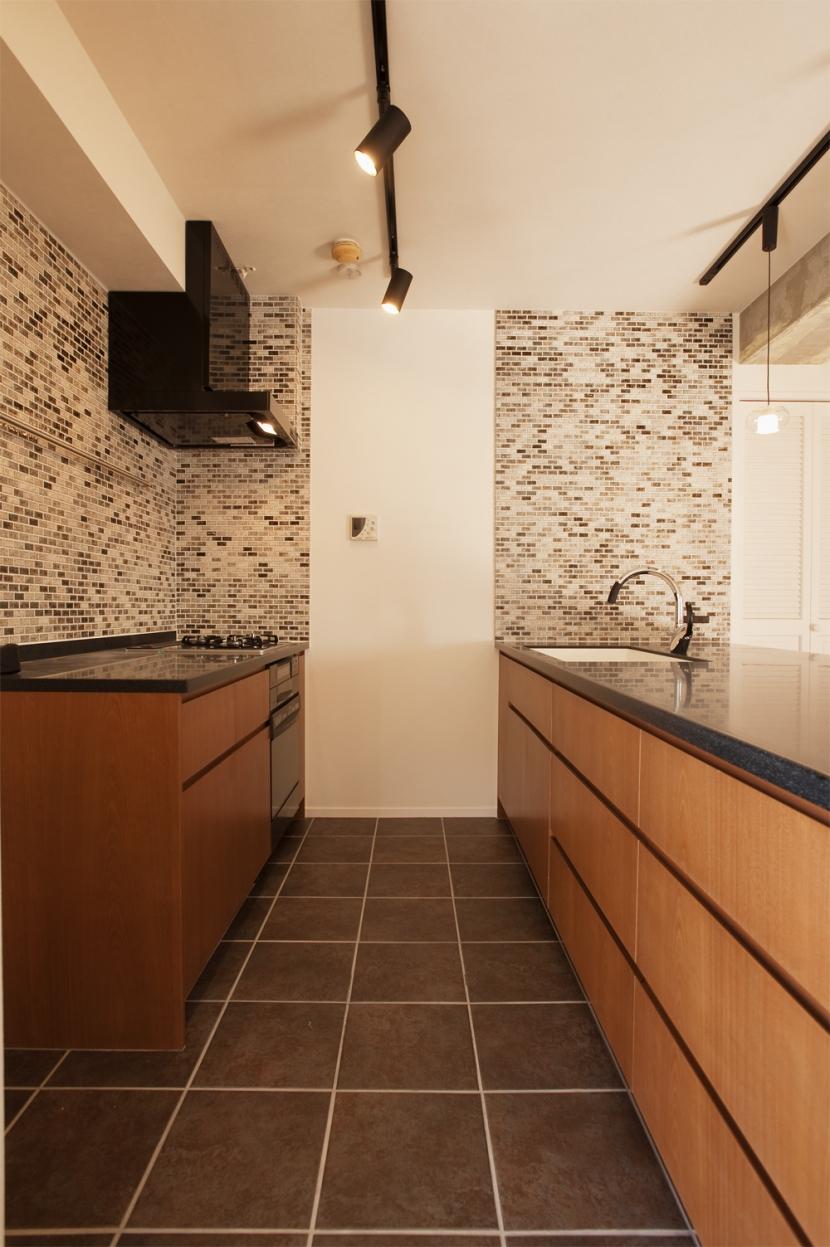 U邸・お料理もフラワーアレンジもみんなで楽しむお家の写真 キッチン