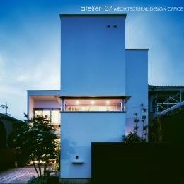 002八潮Fさんの家 (外観夕景)