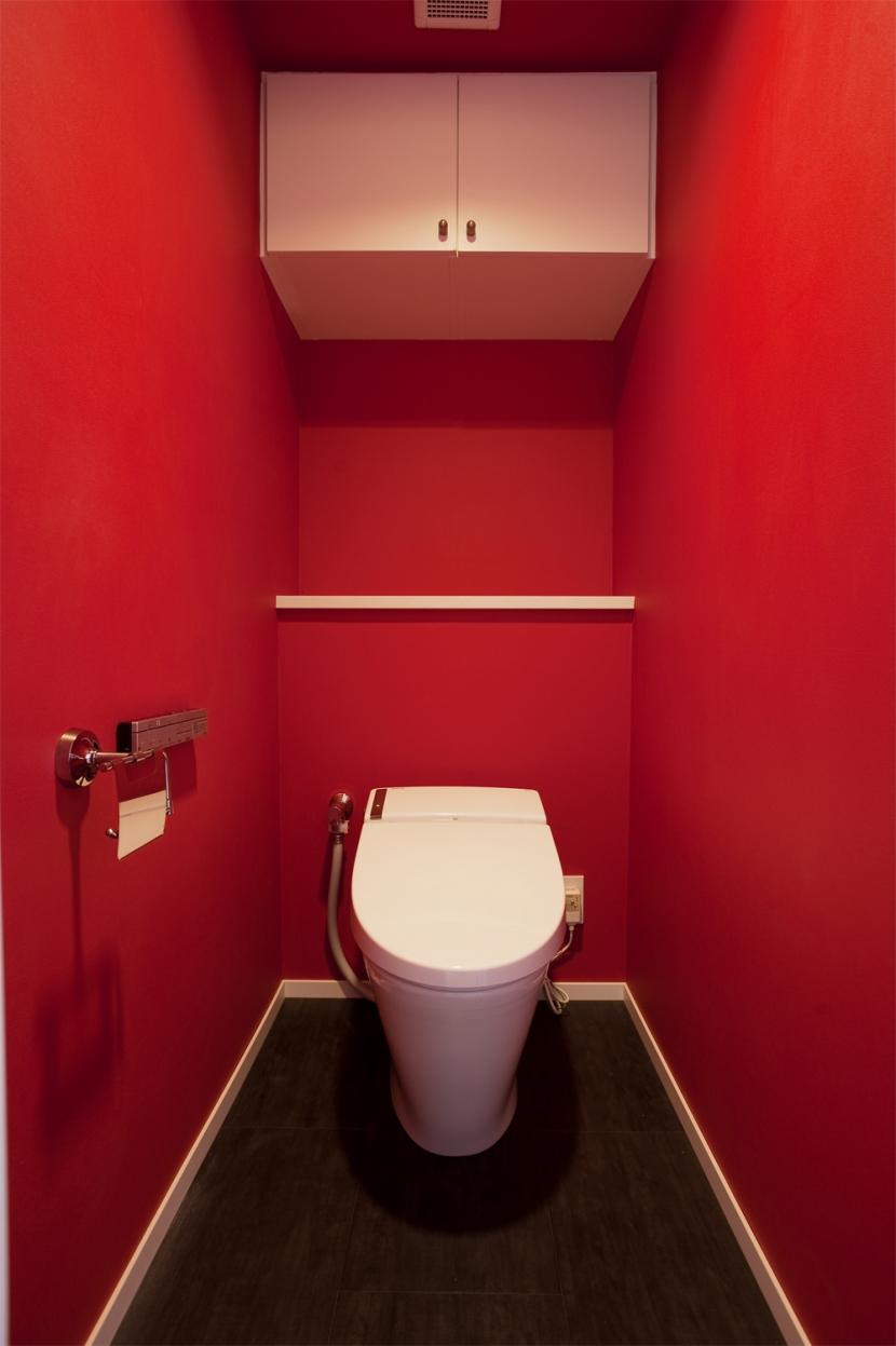 U邸・お料理もフラワーアレンジもみんなで楽しむお家の写真 トイレ