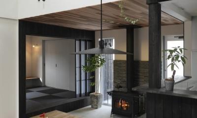 薪ストーブのある三角屋根の暮らしを楽しむ家(末広の家)