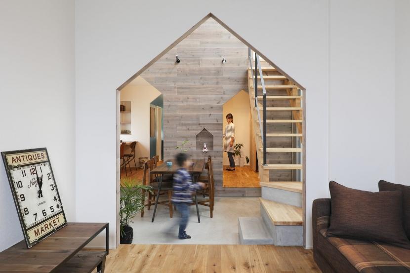 ALTS DESIGN OFFICE「物語のなかに入ったようは非日常を感じられる家(羽束師の家)」