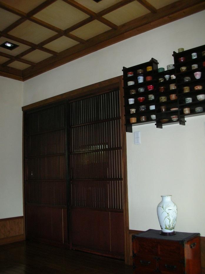 囲炉裏のある家の写真 居間