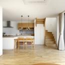 久居の家(夫婦で料理するアイランドキッチンの家)