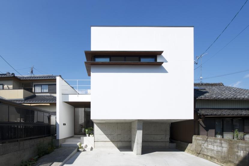 江南の家(プライベートテラスと蔵のある家)