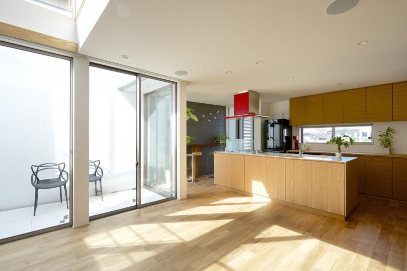 江南の家(プライベートテラスと蔵のある家)の部屋 ダイニング・キッチン