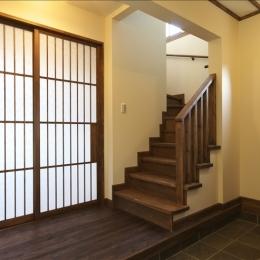 和楽3層住宅-和のテイストに包まれた玄関ホール