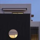 夕景に映える和室の丸窓