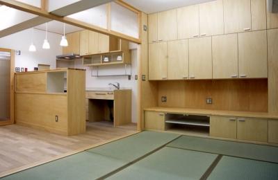 リビングダイニングキッチン (大阪の畳間のあるマンションリノベーション|昭和40年代築のマンションを明るく、ふんだんに木を使ったインテリアにリノベーション)