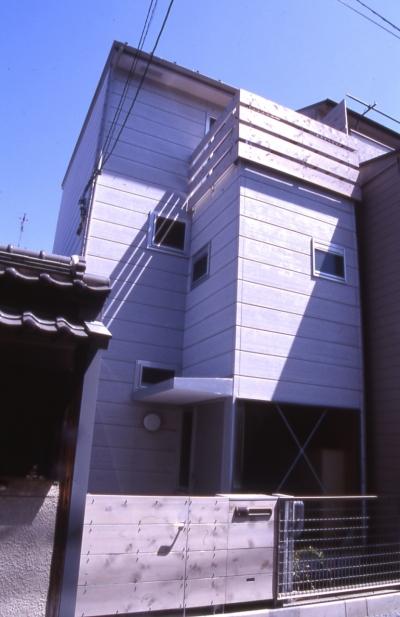 外観 (大阪のミニクーパーな家|ミニクーパーのように小さくて高性能でスタイリッシュな家)