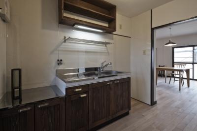 キッチン (しんかな団地リペア さくらの家|いい団地だからなおして暮らす。古きよき団地をめでるリノベーション。)