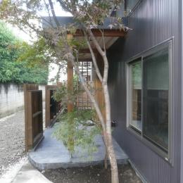 築50年木造家屋のリノベーション (玄関ポーチ)