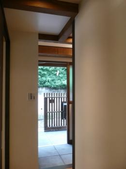 築50年木造家屋のリノベーション (玄関)