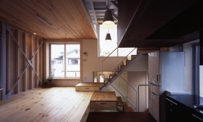 リビングダイニングキッチン|高槻のスキップフロアハウス|スキップフロアで狭い敷地を有効に使いたおす