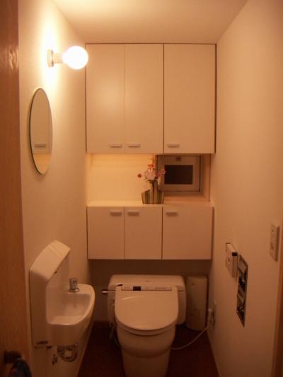 トイレ (高槻のスキップフロアハウス|スキップフロアで狭い敷地を有効に使いたおす)