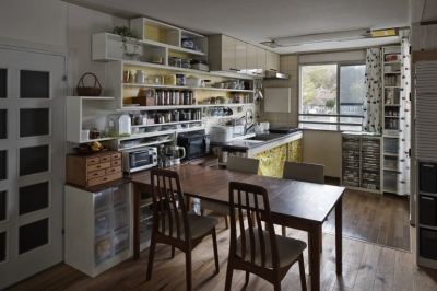 吹田山田のテラスハウス リノベーション|お孫さんが走り回る30畳のリビングを実現 (ダイニングキッチン)