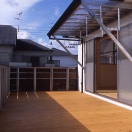大階段のある二世帯住宅 (テラス)