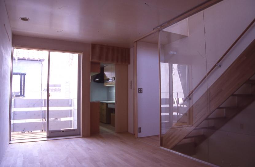 吉永建築デザインスタジオ「大阪のミニクーパーな家|ミニクーパーのように小さくて高性能でスタイリッシュな家」