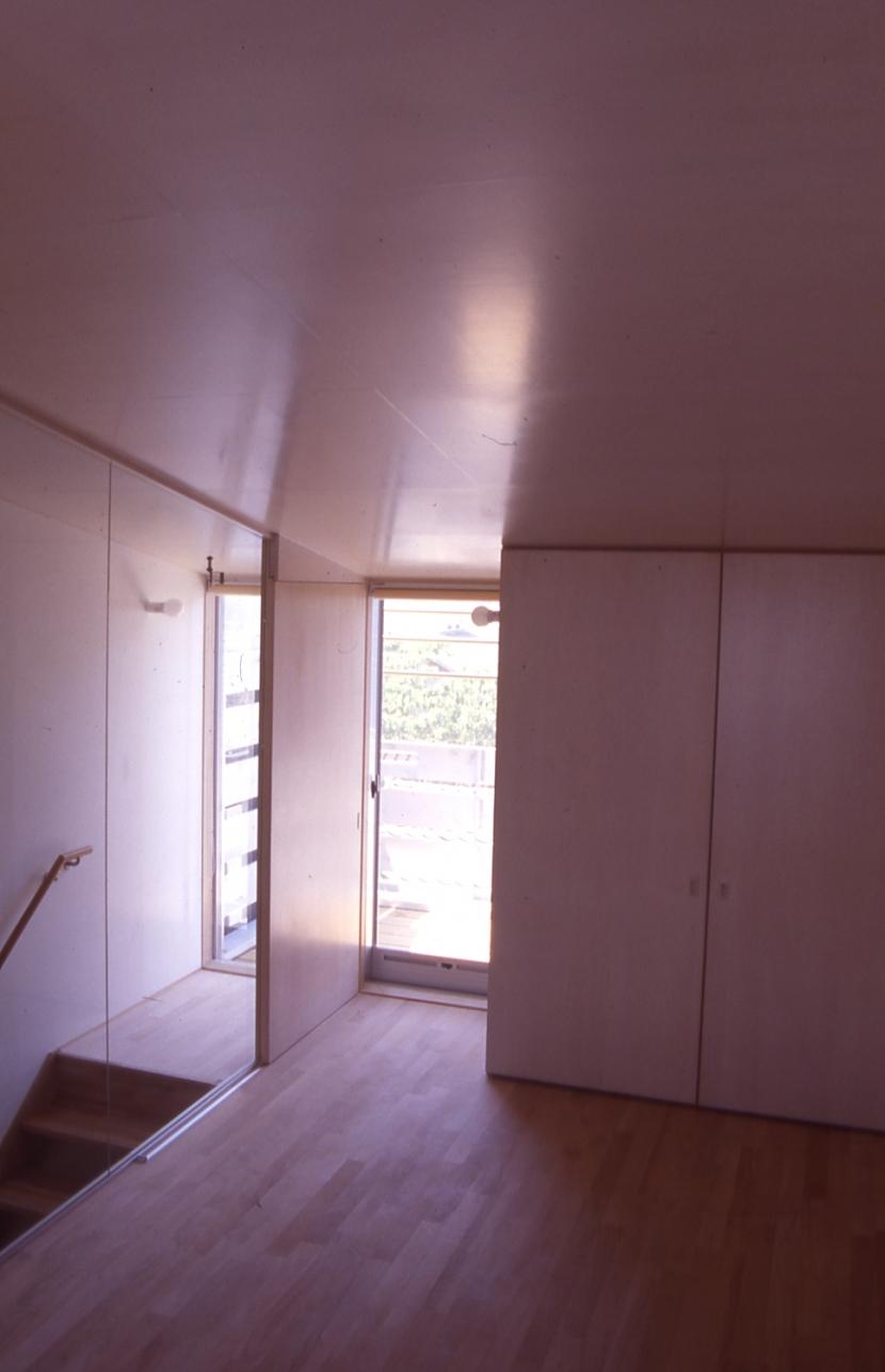 大阪のミニクーパーな家|ミニクーパーのように小さくて高性能でスタイリッシュな家 (寝室)