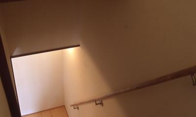 階段|インナーテラスのある長屋リノベーション|長屋でも庭が持てる!