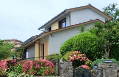 北摂のひろい家|伝統的な座敷と二世帯に対応する新しい住まい (外観)