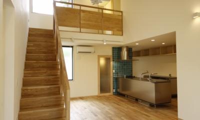 北摂のひろい家|伝統的な座敷と二世帯に対応する新しい住まい (リビングダイニング)