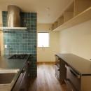 吉永建築デザインスタジオの住宅事例「北摂のひろい家|伝統的な座敷と二世帯に対応する新しい住まい」