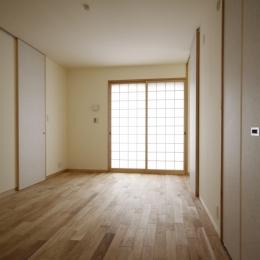 北摂のひろい家|伝統的な座敷と二世帯に対応する新しい住まい (寝室)