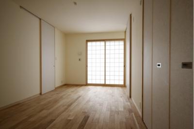 寝室 (北摂のひろい家|伝統的な座敷と二世帯に対応する新しい住まい)