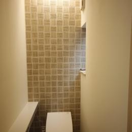 北摂のひろい家|伝統的な座敷と二世帯に対応する新しい住まい (トイレ)