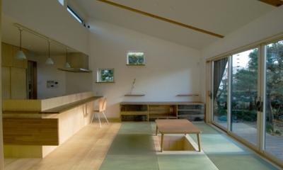 リビング|大きな柿の木とおばあちゃんの家
