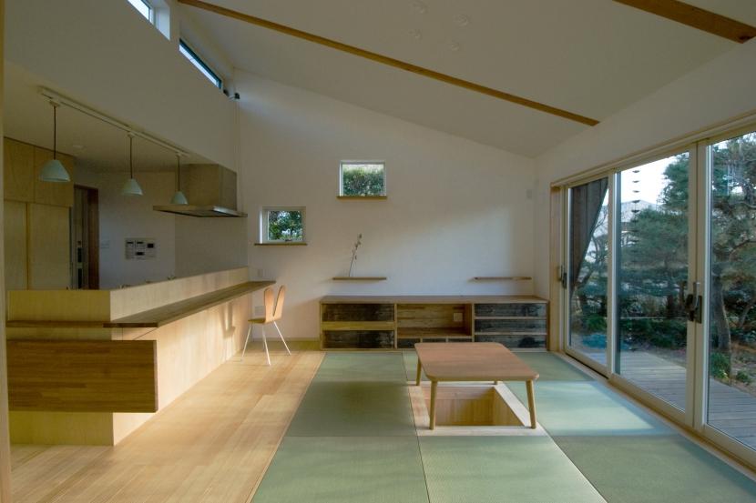 TSD+ 高橋建築構造設計室「大きな柿の木とおばあちゃんの家」