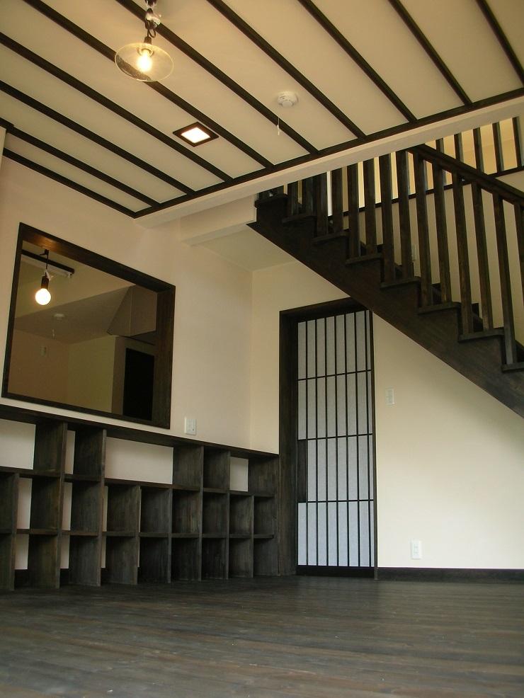 建築家:小堺文彦「黒塗りの渋い民家」