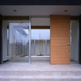上尾の家~神殿型中庭住宅 (玄関)