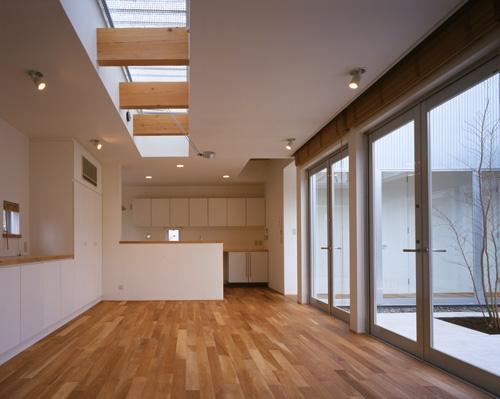 建築家:森 信人「上尾の家~神殿型中庭住宅」