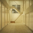 下石神井の家Ⅱ~吹抜け+スキップフロアの家の写真 玄関ホール