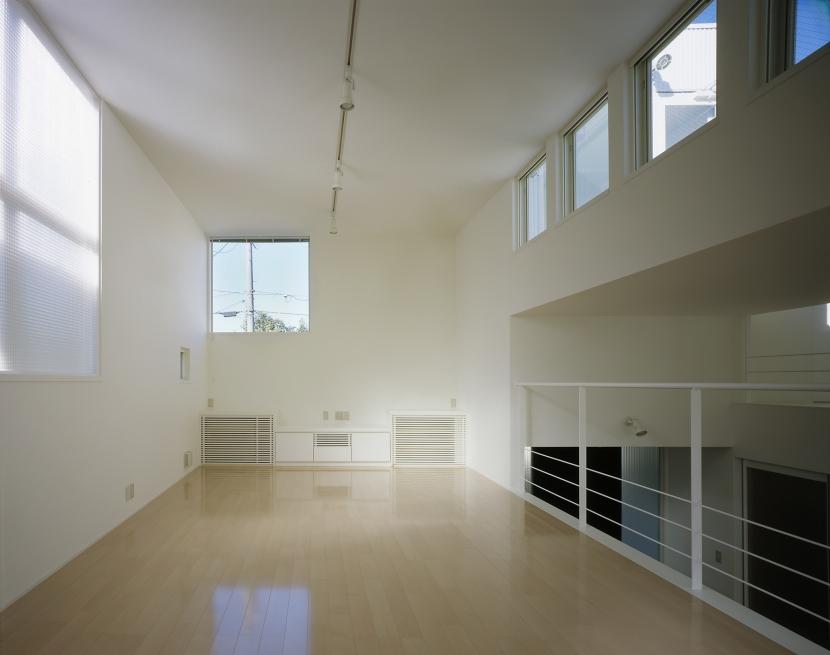 下石神井の家Ⅱ~吹抜け+スキップフロアの家 (リビング1)