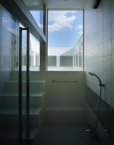 浴室2 (下石神井の家Ⅱ~吹抜け+スキップフロアの家)